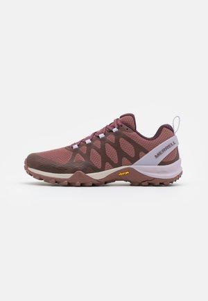 SIREN 3 GTX - Hiking shoes - burlwood