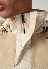 Napapijri - SKIDOO AIRBRUSH CAMO - Summer jacket - beige camou - 4