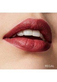 Bobbi Brown - CRUSHED LIP COLOR - Lippenstift - regal - 1