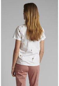Nümph - NUCAROL - Print T-shirt - bright white - 1