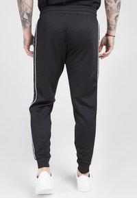SIKSILK - FITTED PANEL TAPE TRACK PANTS - Pantalon de survêtement - black - 2