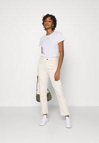 Lee - CAROL - Straight leg jeans - ecru - 1