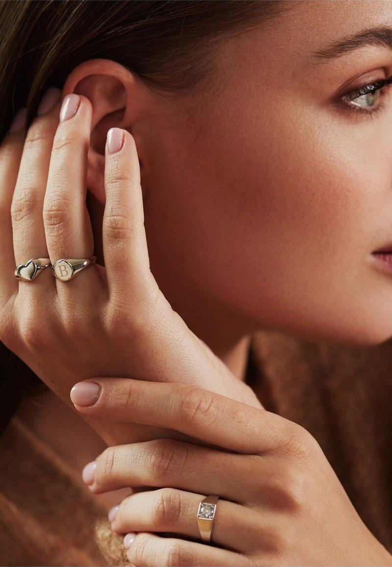 Isabel Bernard - Ring - weißgold