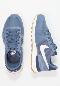 Nike Sportswear - INTERNATIONALIST - Trainers - diffused blue/summit white/neutral indigo/sail/light brown - 1