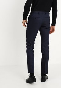 Selected Homme - SLHSLIM FIT ACECHACO SUIT - Jakkesæt - dark navy - 5
