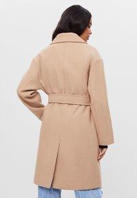 Bershka - Zimní kabát - beige - 1