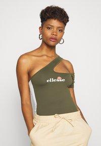 Ellesse - DOROTEA - Print T-shirt - khaki - 0