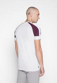 Gym King - CORE PLUS - T-shirt print - microchip/fig - 2