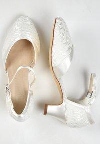 The Perfect Bridal Company - INGRID-SPITZE - Bridal shoes - ivory - 2