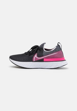 EPIC PRO REACT FLYKNIT - Neutral running shoes - black/white/pink blast