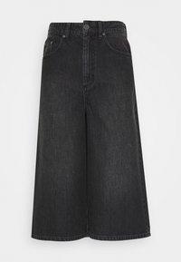 Gestuz - DACYGZ  - Denim shorts - dark black - 3