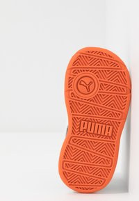 Puma - STEPFLEEX 2 UNISEX - Sportschoenen - peacoat/white/firecracker - 5