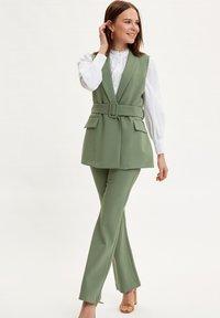 DeFacto - Waistcoat - green - 1