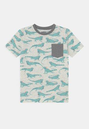 Iguana Pocket Tee - T-shirt z nadrukiem - light mottled grey/mint