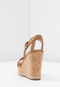 UGG - MELISSA - Sandales à talons hauts - chestnut - 5