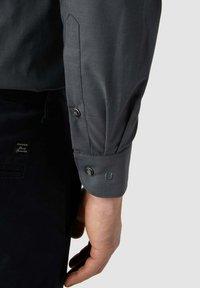 OLYMP Level Five - SLIM FIT BUSINESS MIT STRETCH-ANTEIL - Formal shirt - anthrazit - 2