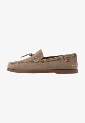 ORION - Chaussures bateau - ecru