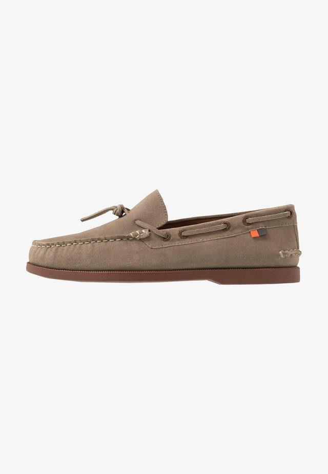 ORION - Boat shoes - ecru