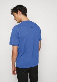 Vivienne Westwood - GRANDAD - T-shirt basique - blue - 3