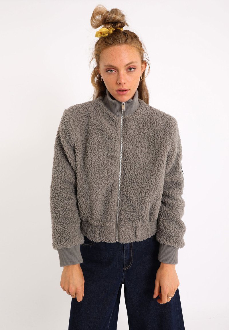 Pimkie - AUS SCHAFFELLIMITAT - Fleece jacket - grau