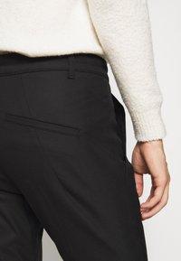 DRYKORN - BREW - Trousers - schwarz - 4
