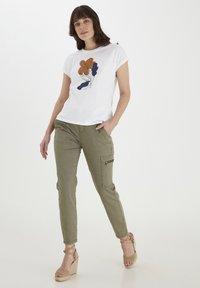 Fransa - MIT FLORALEM PRINT - Print T-shirt - white - 1