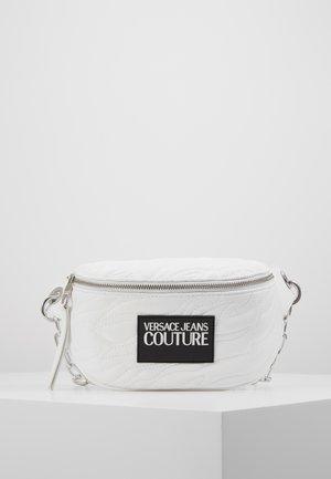 QUILTED BELT BAG - Bum bag - bianco