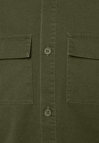 REVOLUTION - UTILITY - Shirt - army - 6