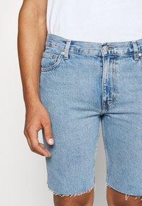 Weekday - SUNDAY  - Jeans Short / cowboy shorts - pen blue - 5