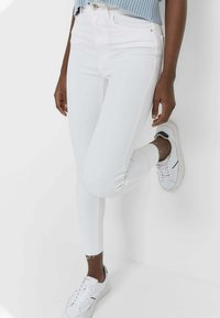 Stradivarius - Jeans Skinny Fit - white - 0