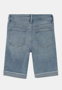 GAP - GIRL BERMUDA - Denim shorts - light-blue denim - 1