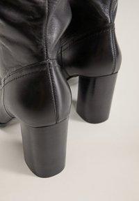 Mango - BOBY - Laarzen met hoge hak - schwarz - 3