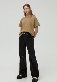 PULL&BEAR - T-shirt con stampa - brown - 1