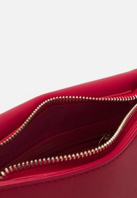Valentino Bags - PICCADILLY - Across body bag - rosso - 2