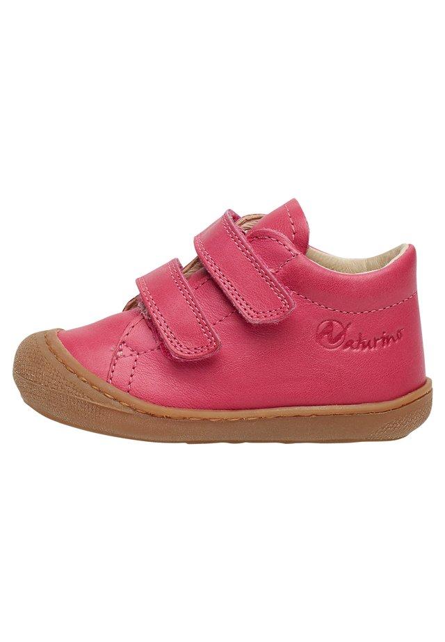 COCOON VL - Chaussures premiers pas - pink