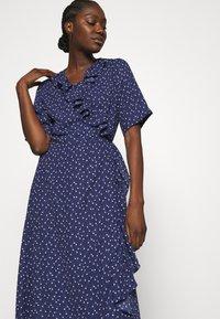JUST FEMALE - DAISY MAXI WRAP DRESS - Maxi dress - patriot blue - 3