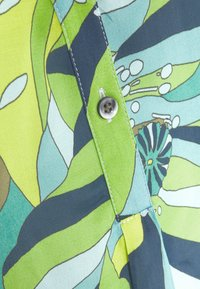 Emily van den Bergh - Bluser - green - 2