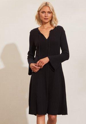 KOURTNEY - Jumper dress - almost black