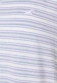 Hollister Co. - ICON EASY  - Print T-shirt - white/blue - 6