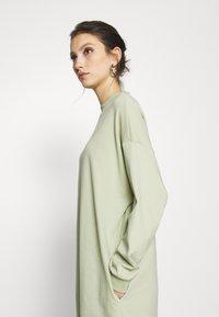 Monki - MINDY DRESS - Jersey dress - green dusty solid - 3