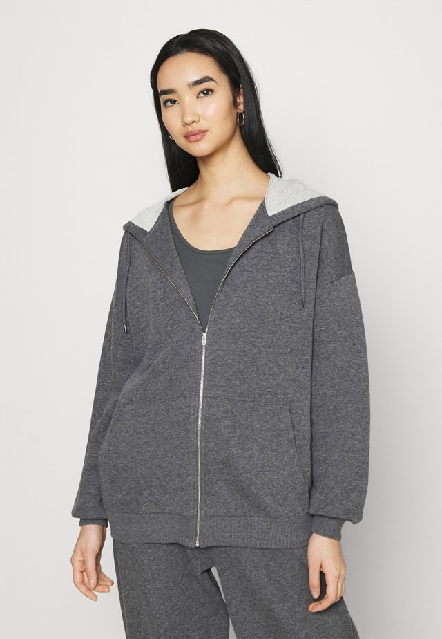 NA-KD X ZALANDO EXCLUSIVE ZIP HOODIE - Mikina na zip - dark grey
