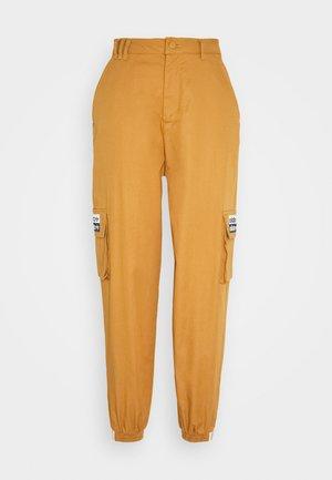 TRACK PANT - Pantalon cargo - mesa