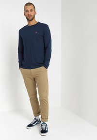 Levi's® - ORIGINAL TEE - T-shirt à manches longues - dress blues - 1