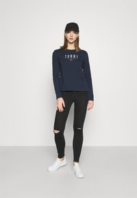 Tommy Jeans - LALA TEE - Topper langermet - twilight navy - 1