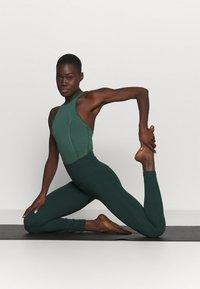 Nike Performance - YOGA BODYSUIT - Danspakje - pro green/vintage green - 1
