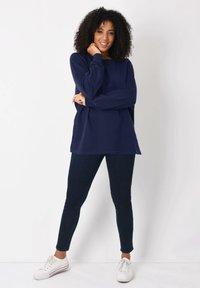 Live Unlimited London - Sweatshirt - dark blue - 0