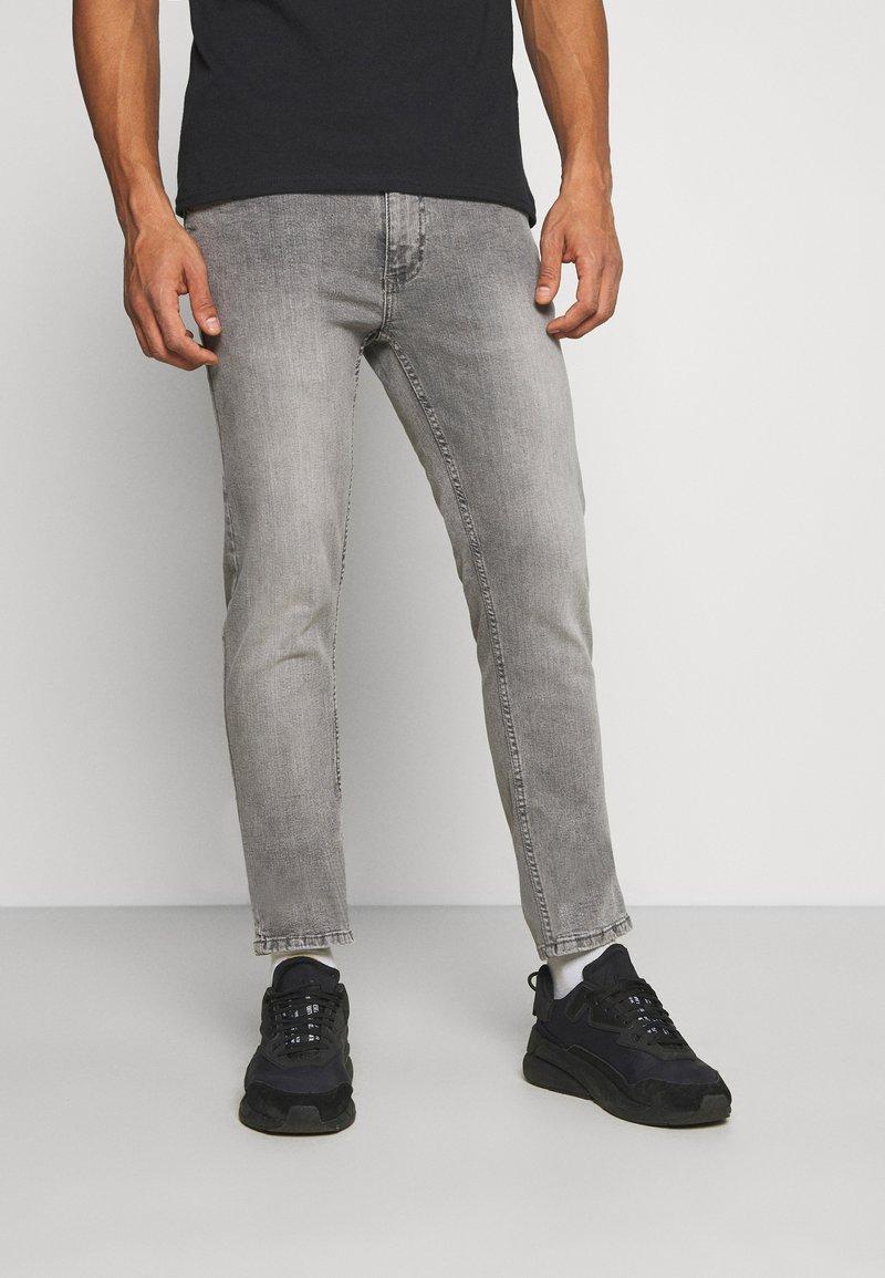 Burton Menswear London - Slim fit jeans - grey