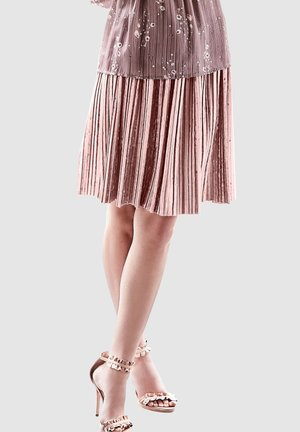 Pleated skirt - rosé