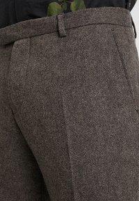 Twisted Tailor - MOONLIGHT TROUSERS - Pantaloni eleganti - brown - 3