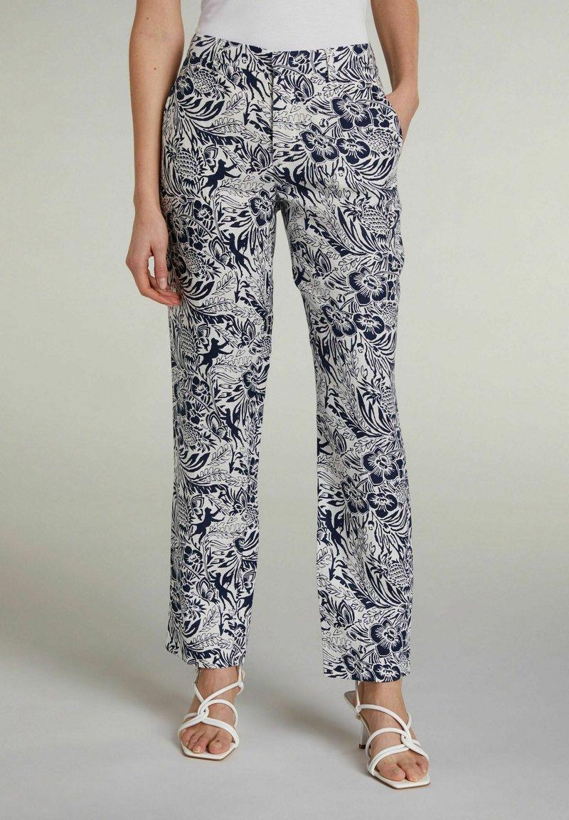 Oui - TROPICAL - Trousers - white blue